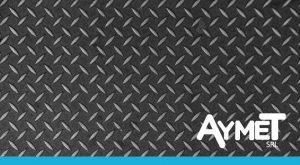 Corte y plegado de chapas de aluminio antideslizantes