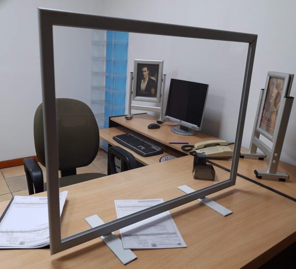 box para oficina con perfiles de aluminio